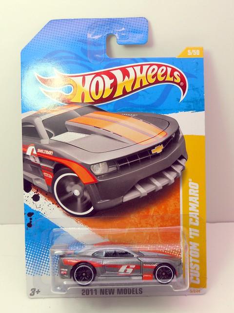 hot wheels custom '11 camaro silver (1)