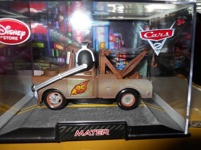 DISNEY STORE CARS 2 RACE TEAM MATER