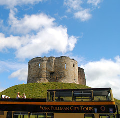 York castle and tourist bus