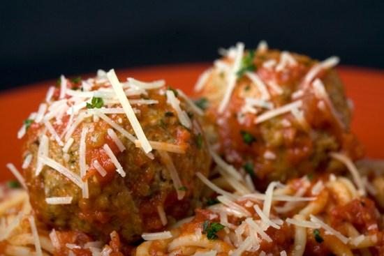 Classic Spaghetti and Meatballs Dish