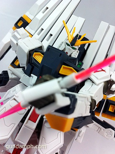 Building MC RX-93 Nu Gundoom Gundam (26)