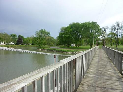 IL, Pontiac 25 - swinging bridge