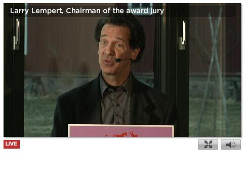 Larry Lempert announces Shaun Tan as ALMA winner