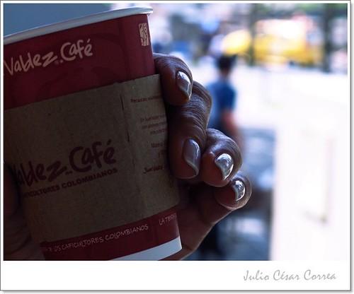 Un café, por favor by Julio César Correa