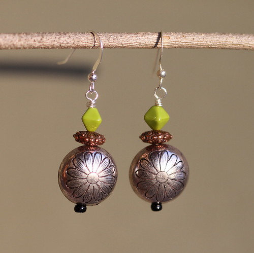 Daisy and copper earrings