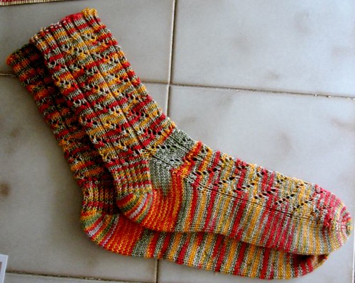 Diagonal Lace Socks1b.JPG