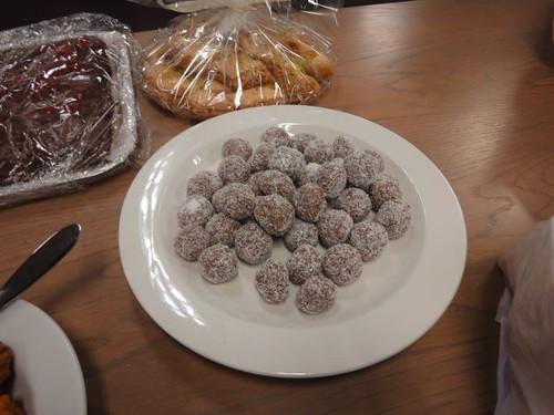 Choco-coconut balls