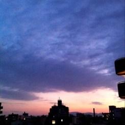 ( ^ω^)( -ω-)( _ _)おはよ! 今朝の大阪、ちと曇りです。