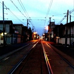 ( ^ω^)( -ω-)( _ _)おはよ!  朝起きるのが辛くなるね!