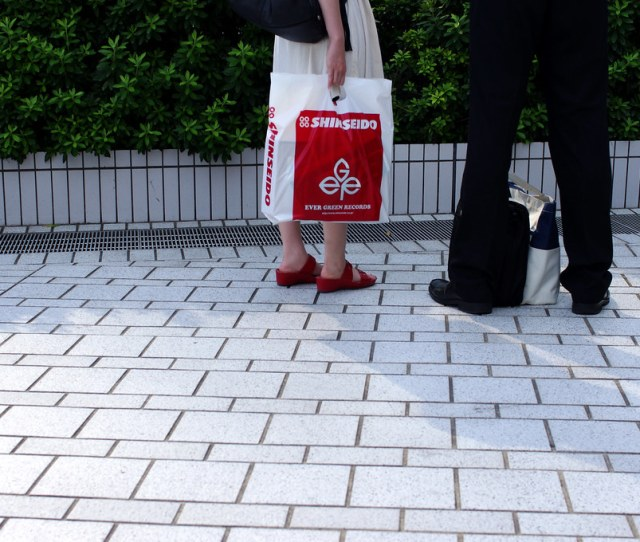Red And Black Feet Gizuc Tags Red People Man Black Feet Japan Lady