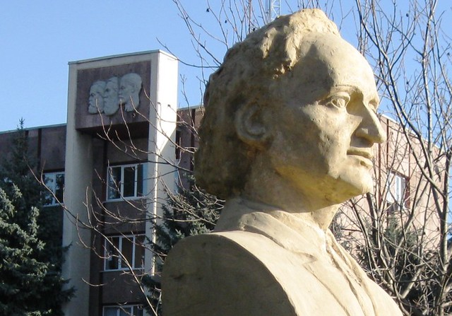 Grigore Vieru_Lenin_Balti