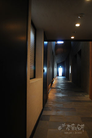 房間外長廊
