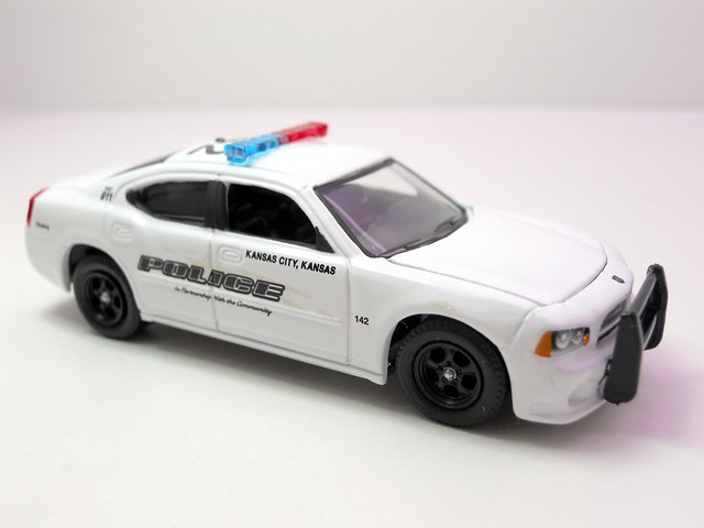 greenlight hot pursuit 2008 dodge charger kansas city police (2)
