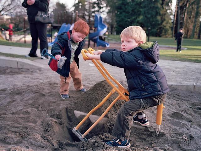 Boys, Digging