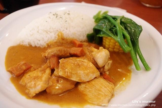 我點的泰式鄉村咖哩飯,還ok。