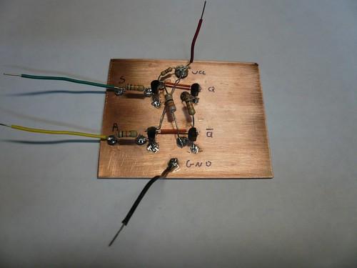 Circuit Diagram Of A Darlington Pair Using Npn Transistors