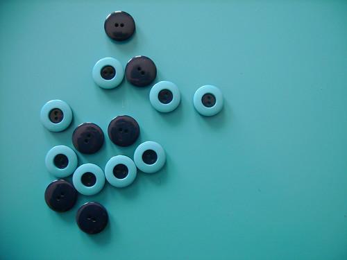 blue buttons!