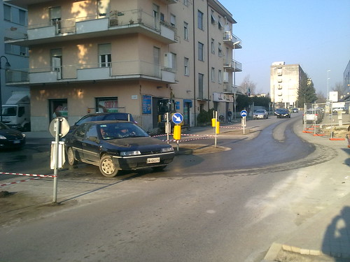 Rotatoria Viale Tevere - Via Po (Frosinone) 3/4