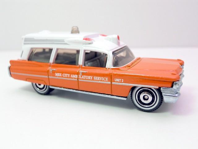 matchbox '63 cadillac ambulance  (2)