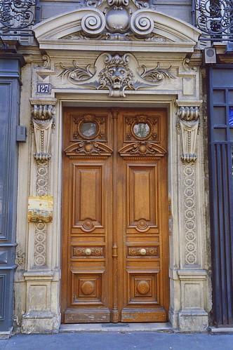 Paris door 1