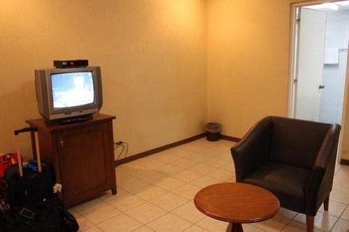Circle Inn - Family Room - 3