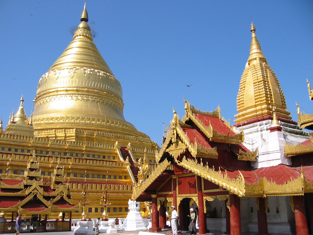 Zédi (stupa) de la pagode de Shwezigon © Pigalle