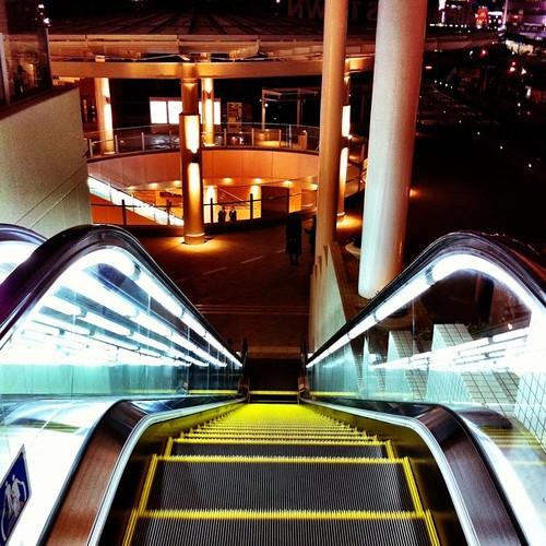さぁ、帰ろ! みんなー、今日も一日、お疲れ様でした。 #Osaka #night