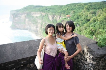family portrait @ the temple of uluwatu