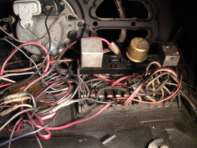 Beetle Wiring Diagram As Well Vw Bus Wiring Diagram On 1969 Bug Fuse