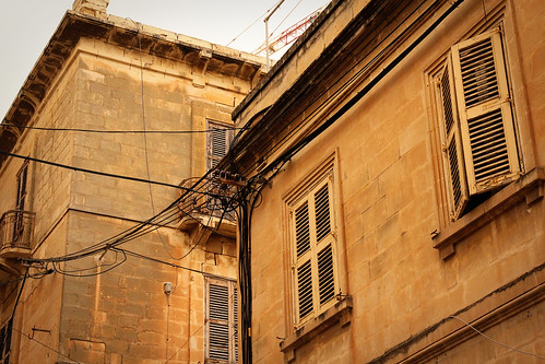 Street-corner-Tigne