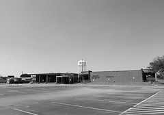 Red Bluff Elementary School, Pasadena, Texas 0416111428BW