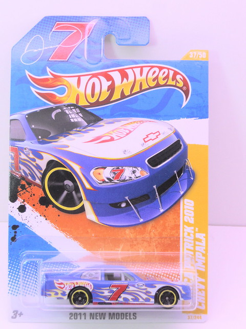 hot wheels danica patrick 2010 chevy impala (1)