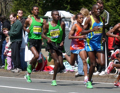 Mutai in the middle