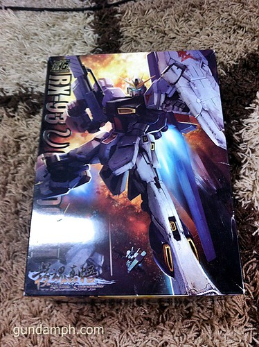 Building MC RX-93 Nu Gundoom Gundam (1)