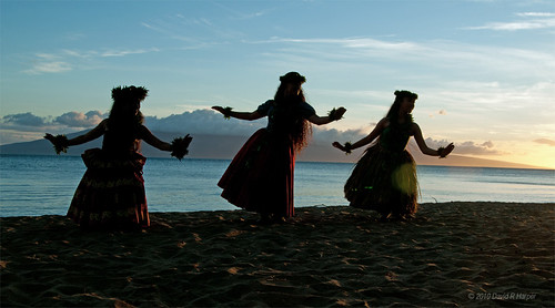 Hula on the Beach … Maui, 2010 by Echo9er