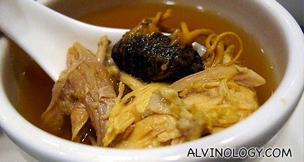 热汤~ 龙虫草炖珍珠鸡 - very nourishing!