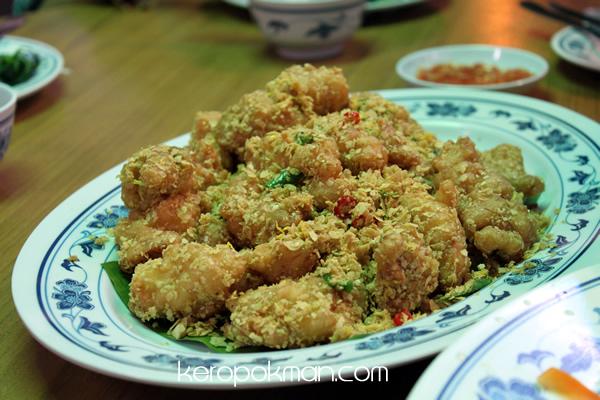 Ban Tong Seafood Restaurant - Fried Crayfish