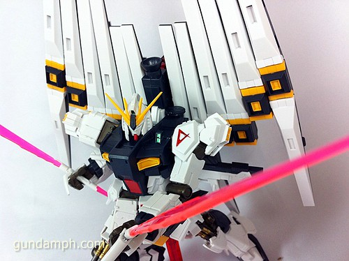 Building MC RX-93 Nu Gundoom Gundam (20)