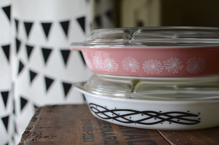 Pyrex Barbed Wire and Pink Daisy