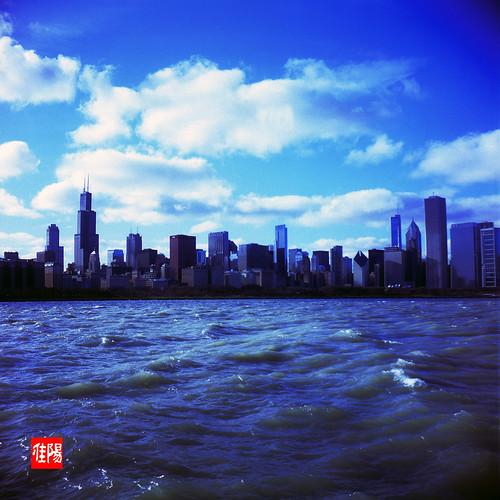 KodakDuaflexIV CHI Velvia100 CityByTheLake02B