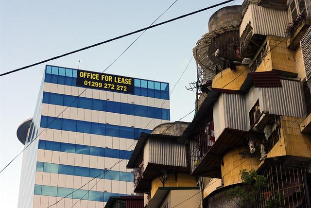 Office for lease còn chuồng chim cho ai?