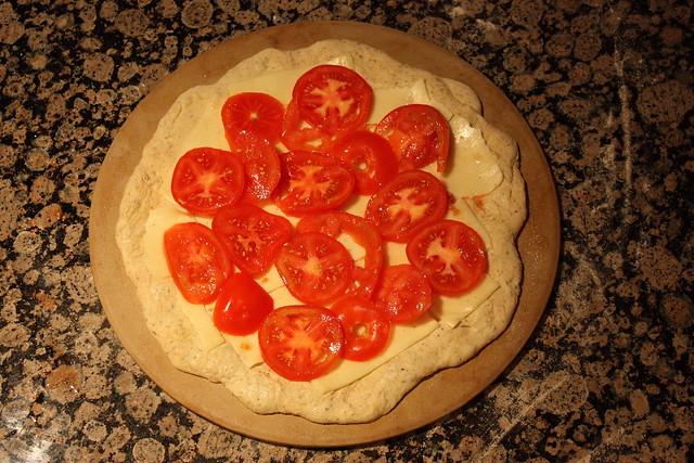 Chili-feta pizza
