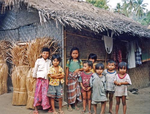Anak-anak di desa Sasak