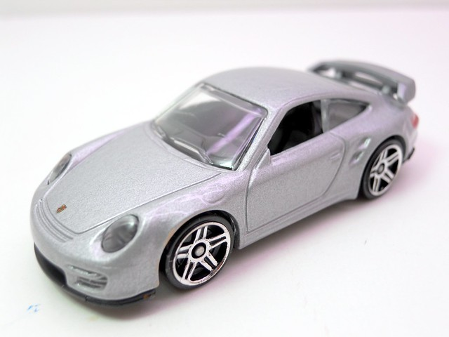 hot wheels porsche 911 gt2 (2)
