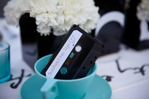 old-school-mixed-tape-school-theme-wedding-580x386