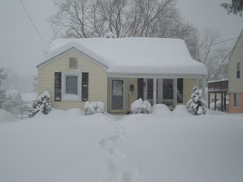 House Snow 17 hrs.