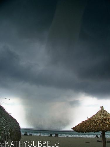 2007-08-26_tornado03