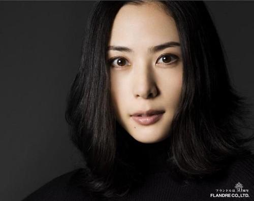Eri Fukatsu Photo Gallery