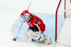 Holtby Collects Rebound