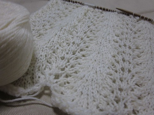 Knitting: Feather and Fan Scarf 1